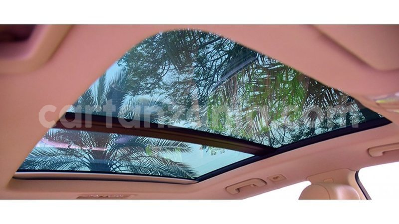 Big with watermark audi q7 arusha import dubai 10371