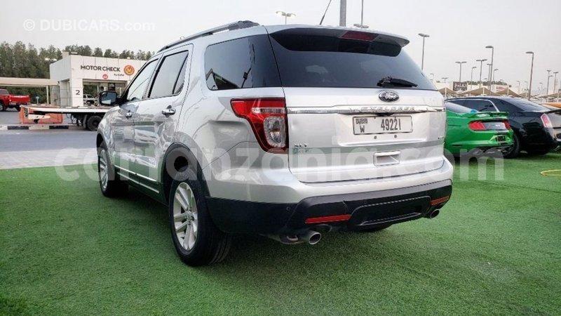 Big with watermark ford explorer arusha import dubai 10378