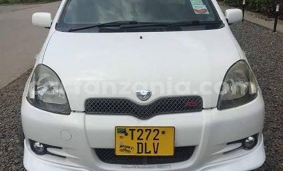 Buy Used Toyota Vitz White Car in Dar es Salaam in Dar es Salaam