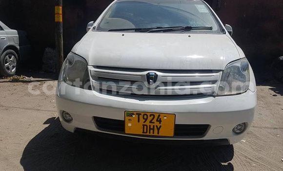 Buy Used Toyota IST White Car in Dar es Salaam in Dar es Salaam