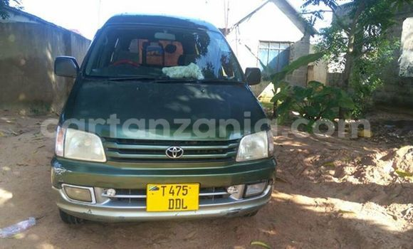 Buy Used Toyota Noah Green Car in Dar es Salaam in Dar es Salaam