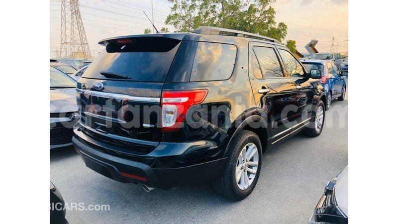 Big with watermark ford explorer arusha import dubai 10554