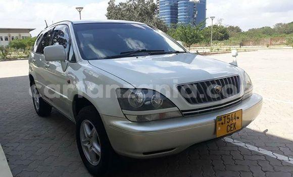 Buy Used Toyota Harrier White Car in Dar es Salaam in Dar es Salaam