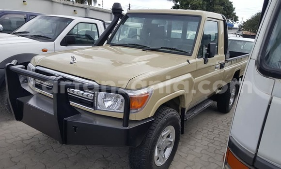 Buy Used Toyota Land Cruiser Beige Car in Dar es Salaam in Dar es Salaam