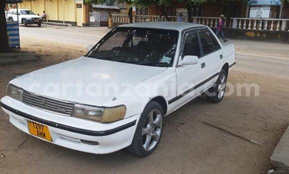 Buy Used Toyota Mark II White Car in Tanga in Tanga