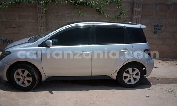 Buy Used Toyota IST Silver Car in Dodoma in Dodoma