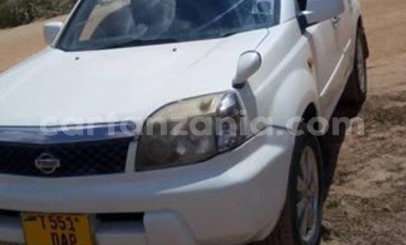 Buy Used Nissan X–Trail White Car in Dar es Salaam in Dar es Salaam