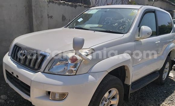 Buy Imported Toyota Land Cruiser Prado White Car in Dar es Salaam in Dar es Salaam