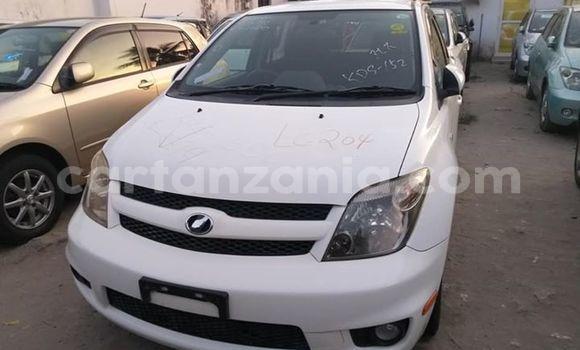 Buy Imported Toyota IST White Car in Dar es Salaam in Dar es Salaam