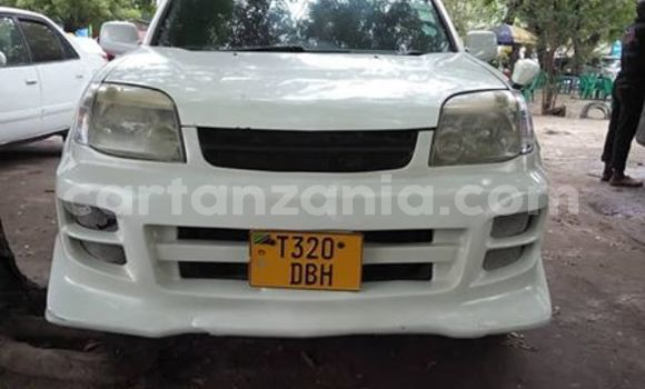 Buy Imported Nissan X–Trail White Car in Dar es Salaam in Dar es Salaam