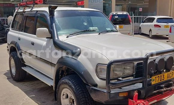 Buy Imported Toyota Land Cruiser Silver Car in Dar es Salaam in Dar es Salaam