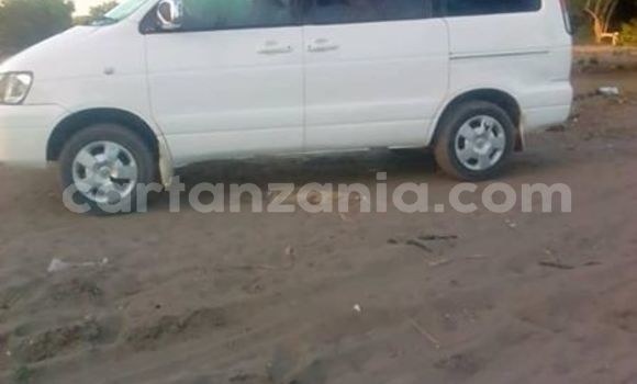 Buy Imported Toyota Noah White Car in Temeke in Dar es Salaam