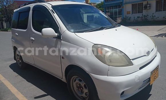 Buy Imported Toyota Noah White Car in Dar es Salaam in Dar es Salaam