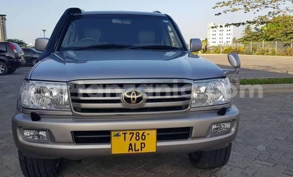 Buy Used Toyota Land Cruiser Silver Car in Dar es Salaam in Dar es Salaam