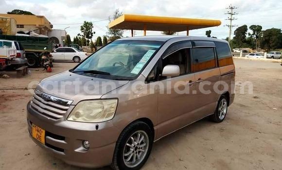 Buy Used Toyota Noah Brown Car in Dar es Salaam in Dar es Salaam