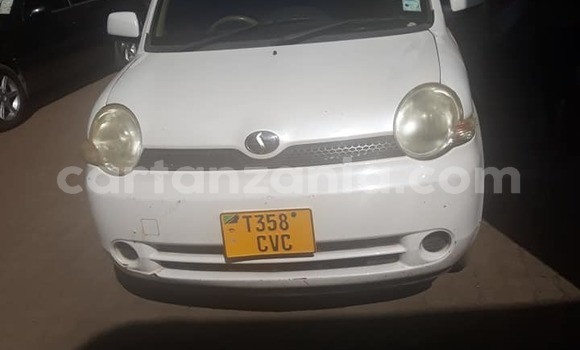 Buy Used Toyota Sienna White Car in Arusha in Arusha