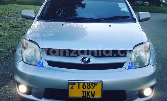 Buy Used Toyota Ist Silver Car in Arusha in Arusha