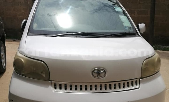 Buy Used Toyota Porte White Car in Dar es Salaam in Dar es Salaam
