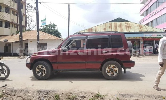 Buy Used Suzuki Escudo Red Car in Dar es Salaam in Dar es Salaam