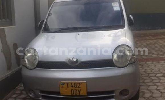 Buy Used Toyota Sienta Silver Car in Dar es Salaam in Dar es Salaam