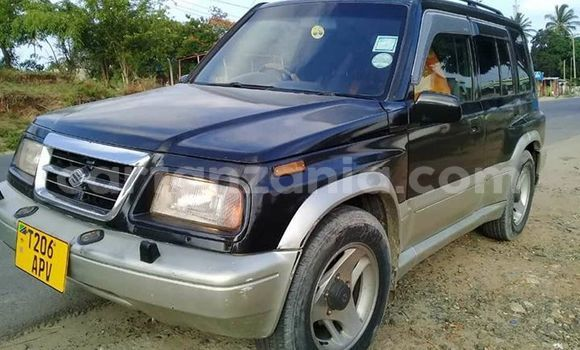 Buy Used Suzuki Escudo Blue Car in Dar es Salaam in Dar es Salaam