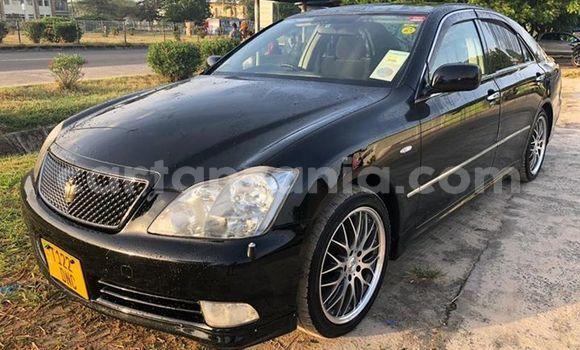 Buy Used Toyota Crown Black Car in Dar es Salaam in Dar es Salaam