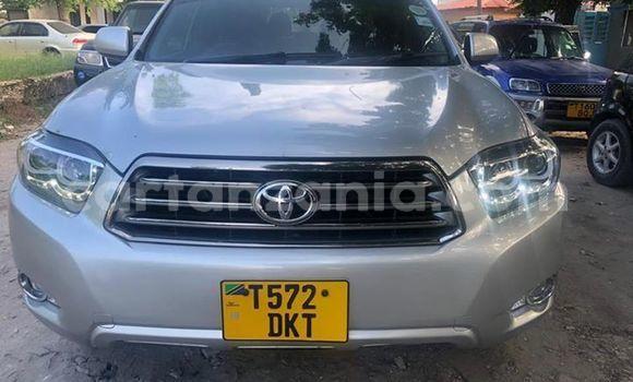 Buy Used Toyota Kluger Silver Car in Dar es Salaam in Dar es Salaam