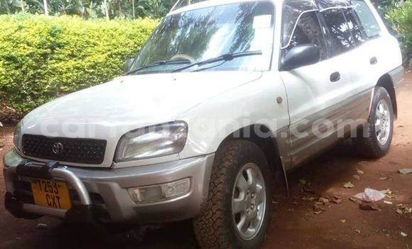 Buy Used Toyota RAV4 White Car in Dar es Salaam in Dar es Salaam