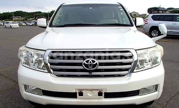 Buy Used Toyota Land Cruiser Prado White Car in Dar es Salaam in Dar es Salaam
