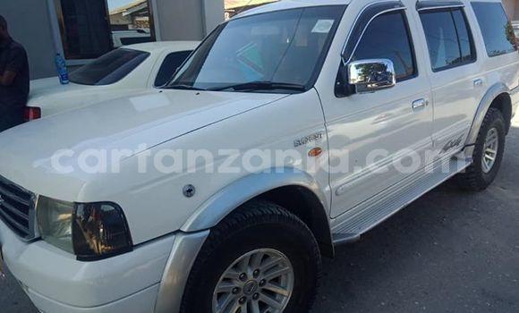 Buy Used Ford Everest White Car in Dar es Salaam in Dar es Salaam