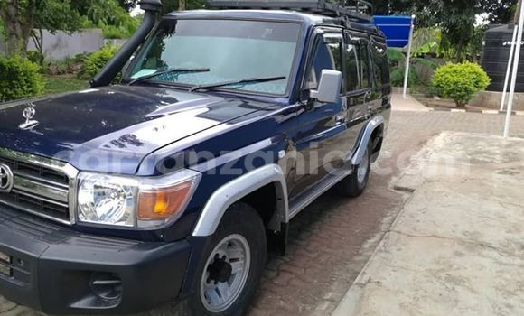 Buy Used Toyota Land Cruiser Prado Blue Car in Dar es Salaam in Dar es Salaam