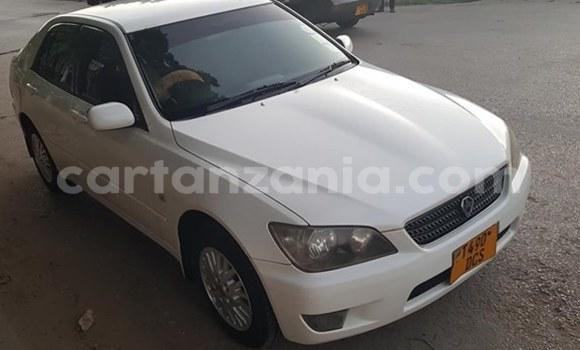 Buy Used Toyota Altezza White Car in Tanga in Tanga