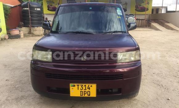 Buy Used Toyota bB Red Car in Dar es Salaam in Dar es Salaam