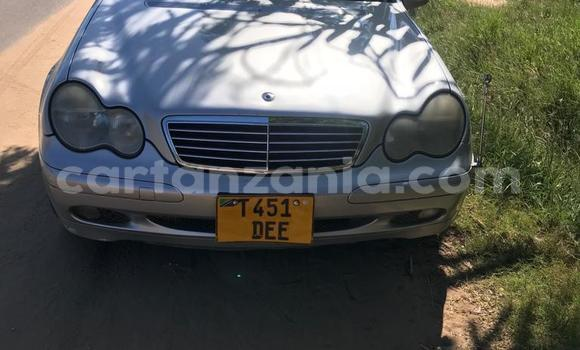 Buy Used Mercedes Viano Silver Car in Dar es Salaam in Dar es Salaam