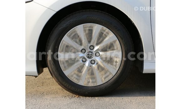 Buy Import Toyota Camry White Car in Import - Dubai in Arusha