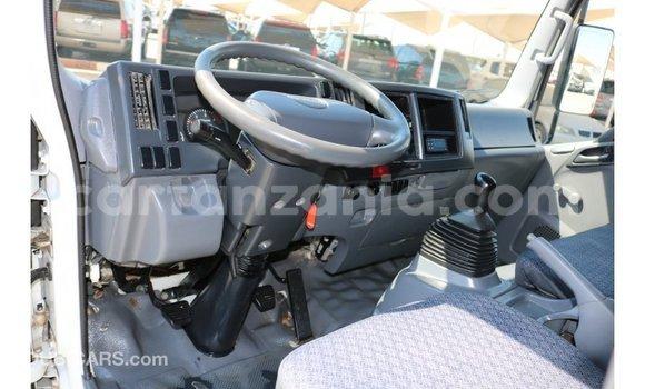 Buy Import Isuzu Rodeo White Car in Import - Dubai in Arusha