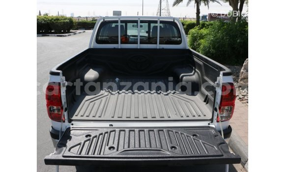 Buy Import Toyota Hilux White Car in Import - Dubai in Arusha