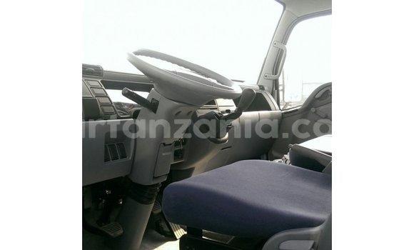 Buy Import Mitsubishi L400 White Truck in Import - Dubai in Arusha