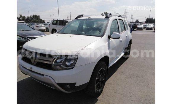Buy Import Renault Duster White Car in Import - Dubai in Arusha