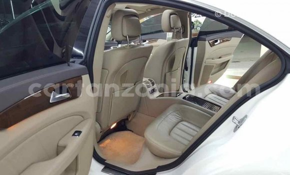Buy Import Mercedes-Benz 190 (W201) White Car in Import - Dubai in Arusha