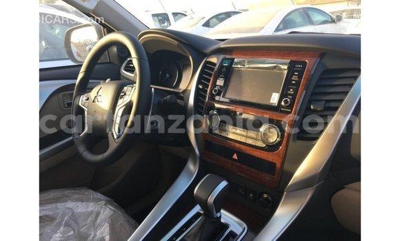 Buy Import Mitsubishi Montero Black Car in Import - Dubai in Arusha