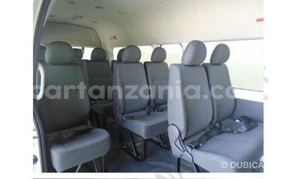 Buy Import Toyota Hiace White Car in Import - Dubai in Arusha