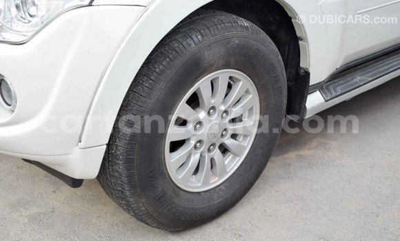 Buy Import Mitsubishi Pajero White Car in Import - Dubai in Arusha