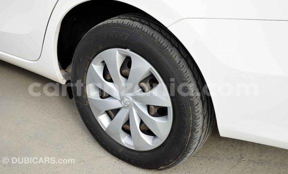 Buy Import Toyota Yaris White Car in Import - Dubai in Arusha