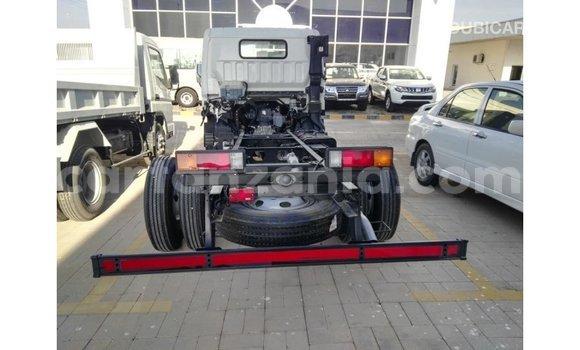 Buy Import Mitsubishi i White Car in Import - Dubai in Arusha