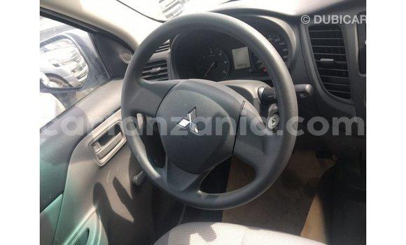 Buy Import Mitsubishi L200 White Car in Import - Dubai in Arusha