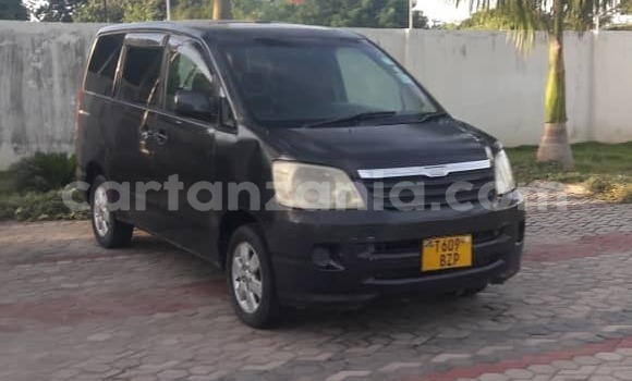 Buy Used Toyota Noah Black Car in Dar es Salaam in Dar es Salaam