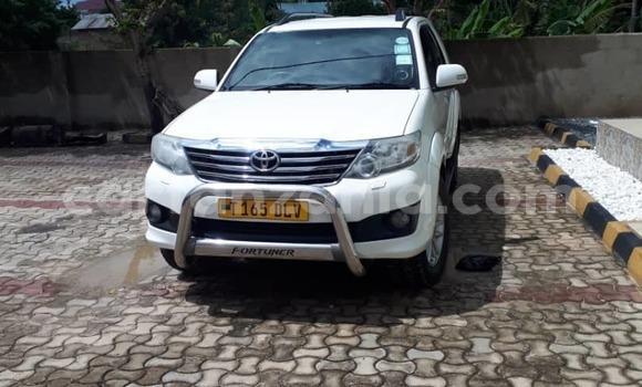 Buy Used Toyota Fortuner White Car in Dar es Salaam in Dar es Salaam
