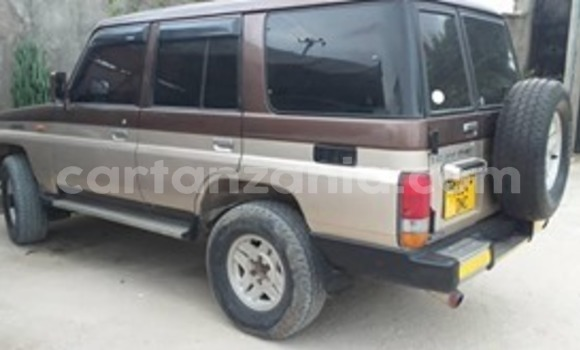 Buy Used Toyota Land Cruiser Prado Brown Car in Dar es Salaam in Dar es Salaam