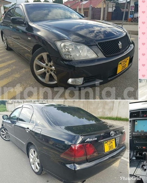 Buy Used Toyota Crown Black Car in Dar es Salaam in Dar es